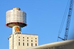 Beginn des Abbaus des Henninger Turms