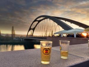 Einweihung der neuen Osthafenbrücke